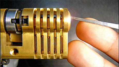 lock picking by Locktech Solutions